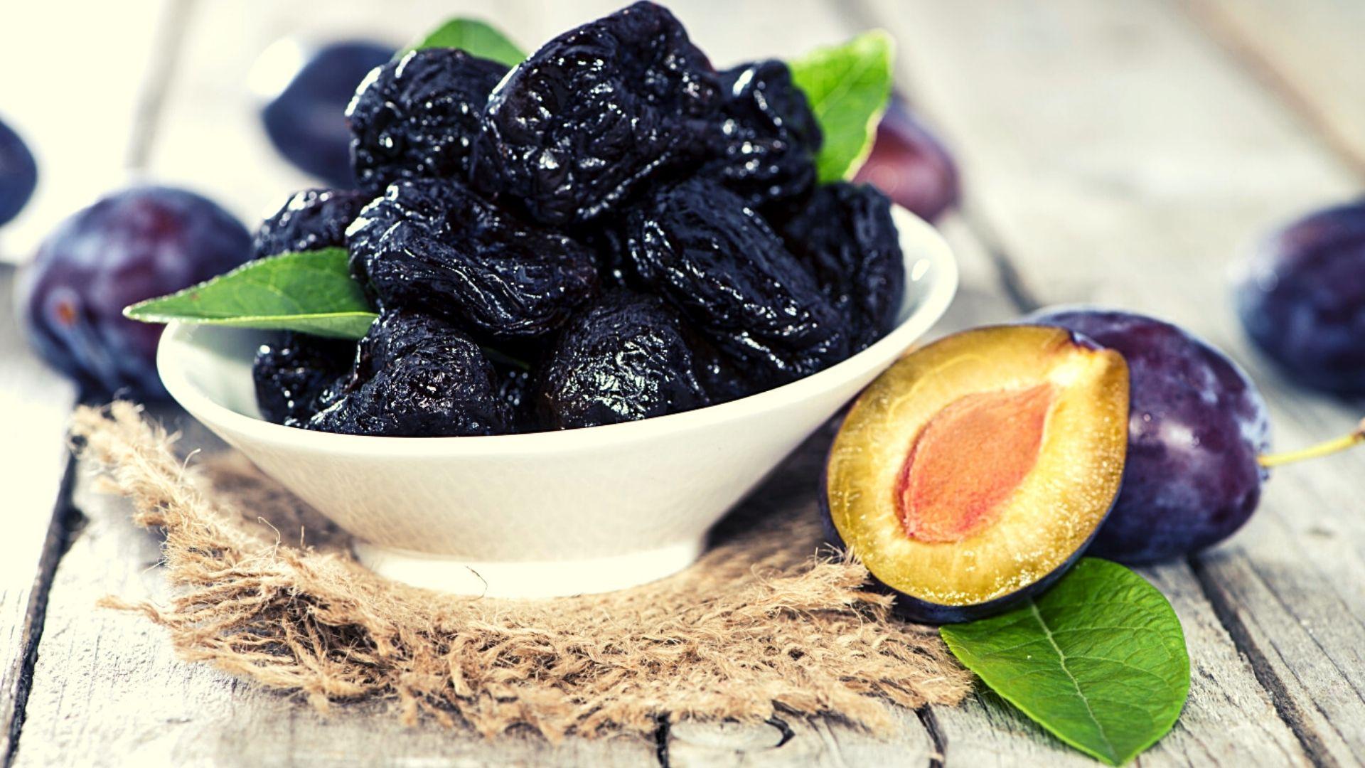 Beneficii pentru sănătate ale pierderii în greutate a prunelor