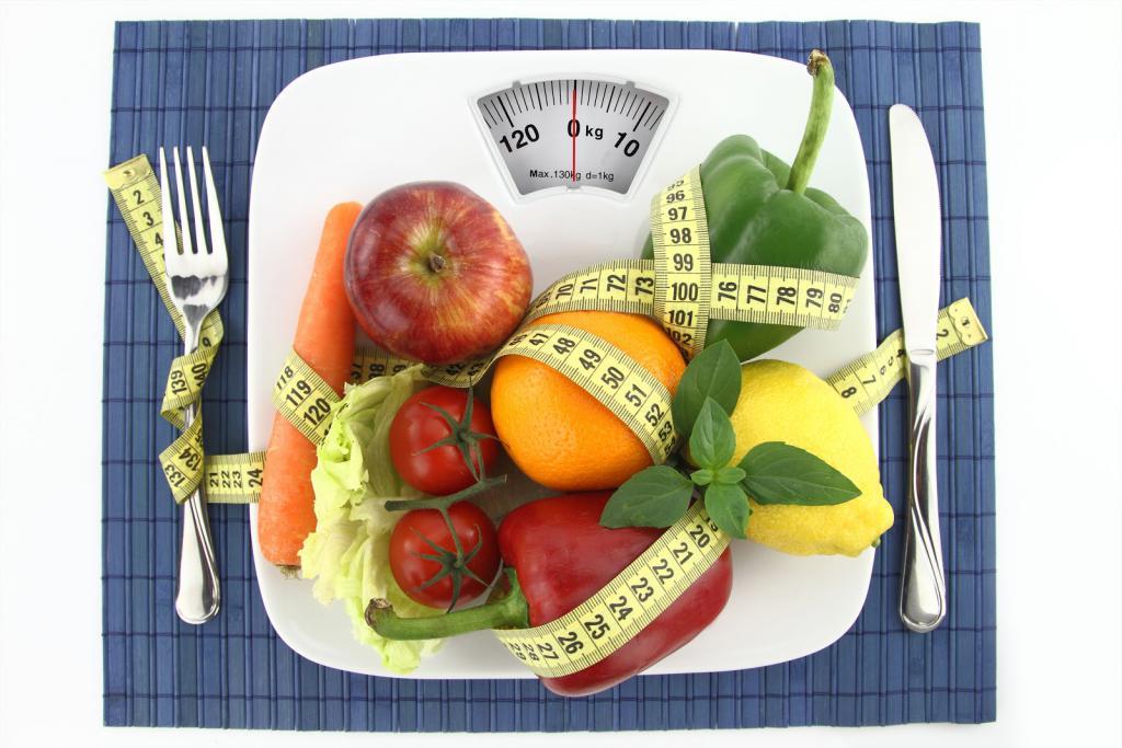 Prin ce modificari trece aportul caloric zilnic în dieta daneza?