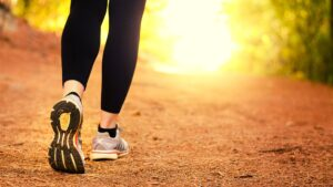 Exercitii de slabit - Mersul pe jos vs alergare